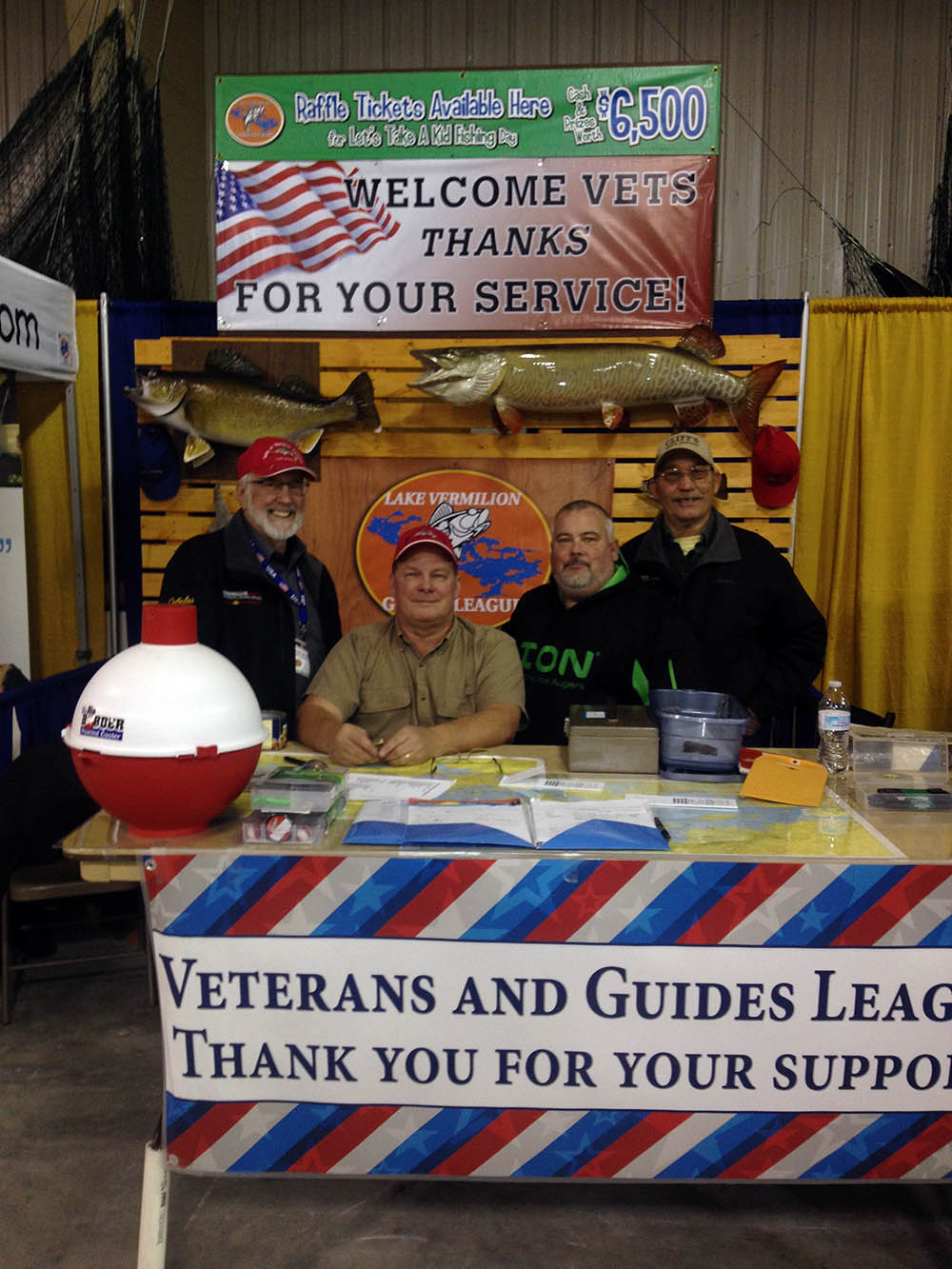 Thank you vets for your service booth image